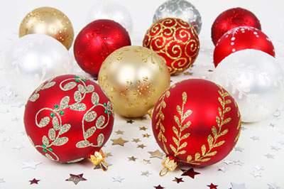 赤・金・銀・白のクリスマスボール