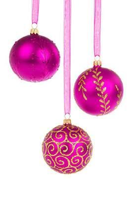 鮮やかなピンクのクリスマスボール