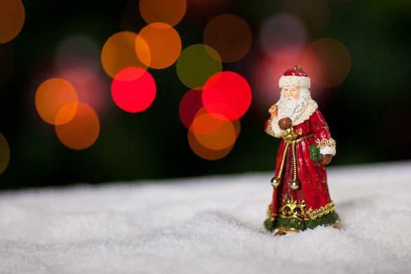 クリスマスのサンタ人形
