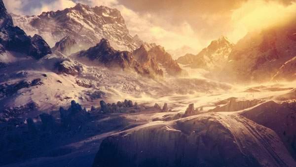 美しいグラデーションの雪山