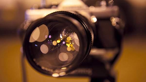 玉ボケが綺麗なマクロ撮影したカメラの写真