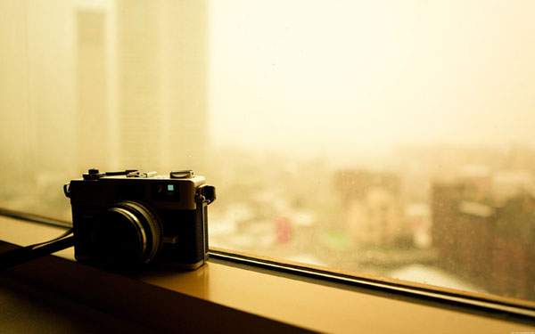 夕日とカメラ