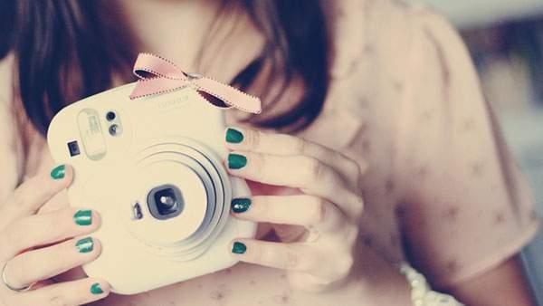 リボン付きのカメラ