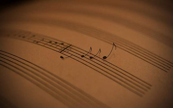 楽譜からふわっと浮かび出す音符