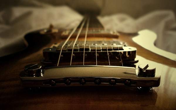 アップで撮影したギターの写真