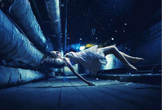 ドレスを着た女性の無重力写真作品 - 05