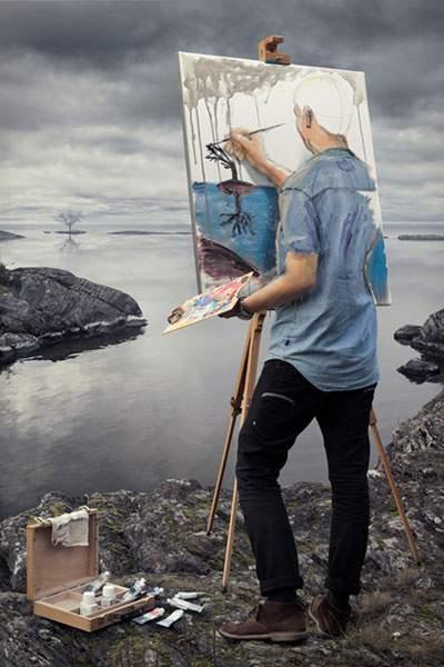 絵を描く男性がキャンバスの中に。