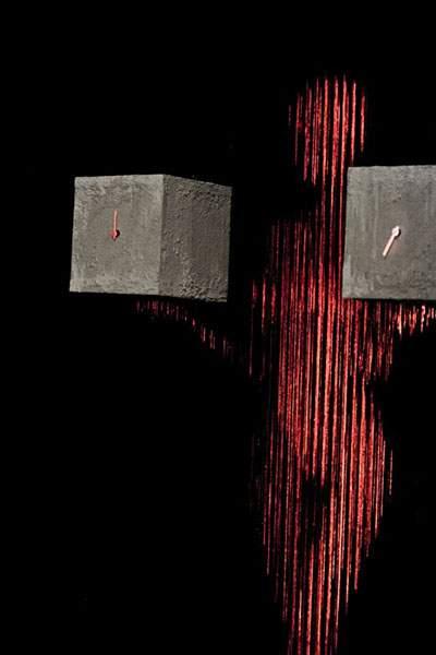 蛍光塗料を塗った糸のアート - 03