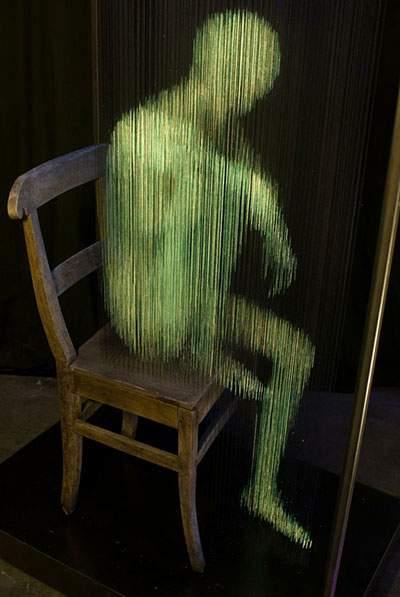 蛍光塗料を塗った糸のアート - 05