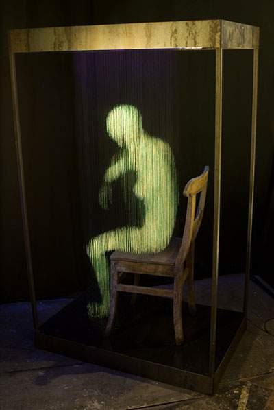蛍光塗料を塗った糸のアート - 06