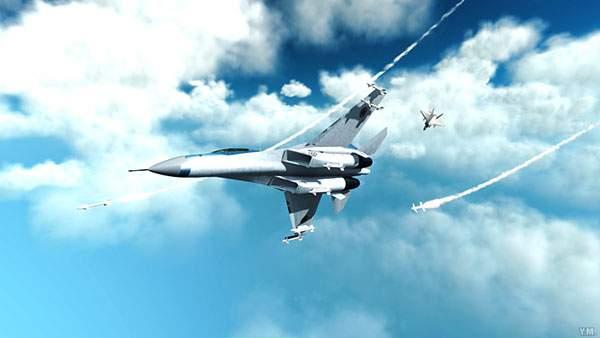 青空を飛ぶ戦闘機