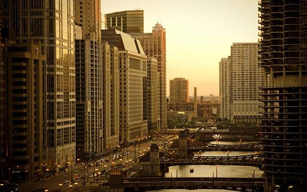 シカゴの高層ビル街の写真