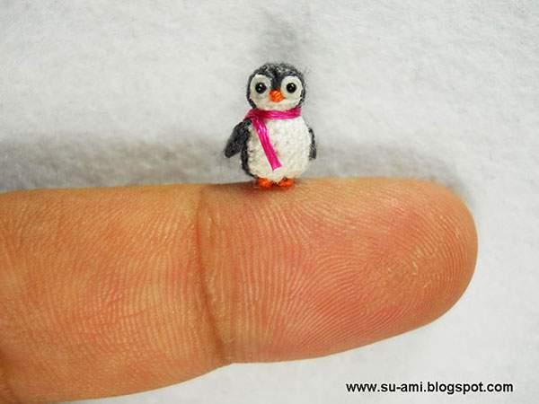 マフラーをしたペンギン
