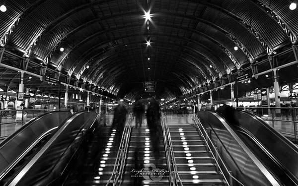 ロンドンの街を撮影したおしゃれな白黒写真の壁紙
