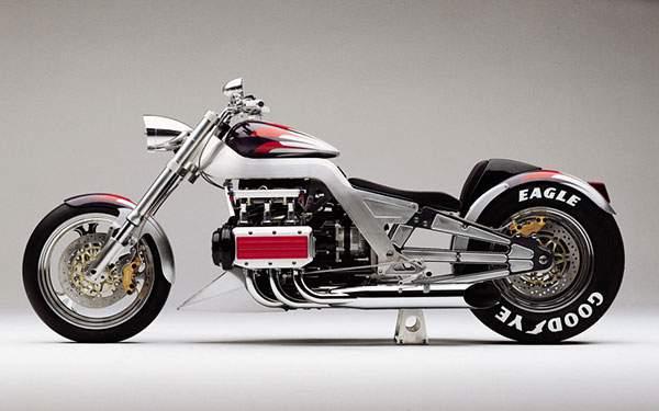 バイクを真横から撮影したかっこいい壁紙画像
