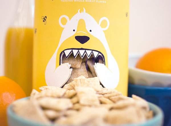 クマが口いっぱいにシリアルをほおばるパッケージデザイン - 04