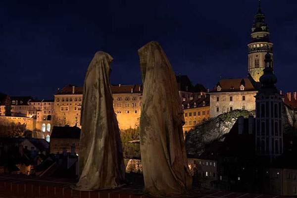ヴェネチアの街を歩く守護霊達の彫刻 - 09
