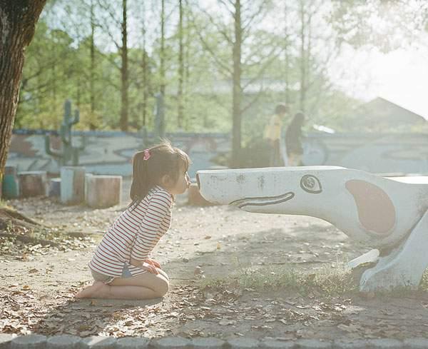 小さな女の子のキスを撮影した写真プロジェクト - 03