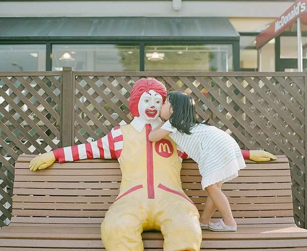 小さな女の子のキスを撮影した写真プロジェクト - 04