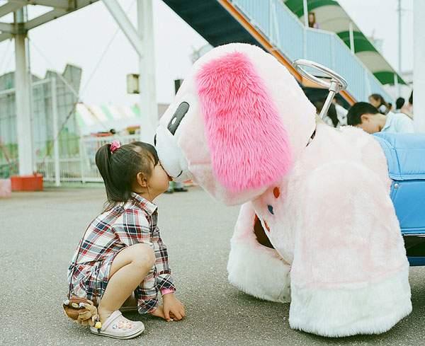 小さな女の子のキスを撮影した写真プロジェクト - 05