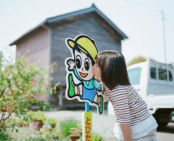 小さな女の子のキスを撮影した写真プロジェクト - 06