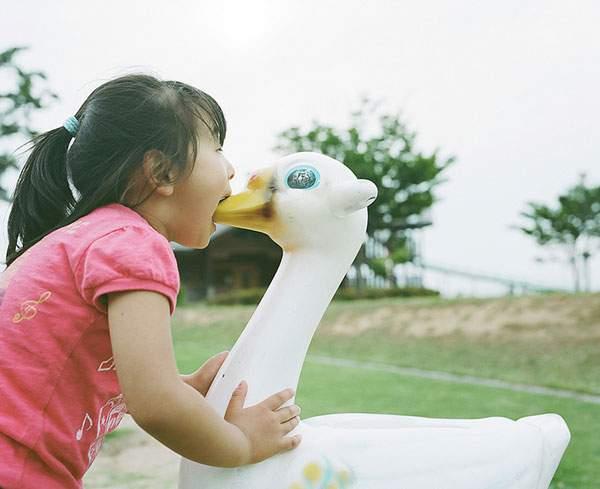 小さな女の子のキスを撮影した写真プロジェクト - 08