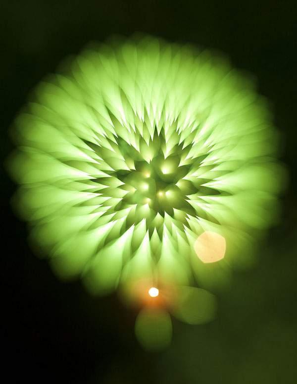 花火を変わったテクニックで撮影した写真作品 - 05