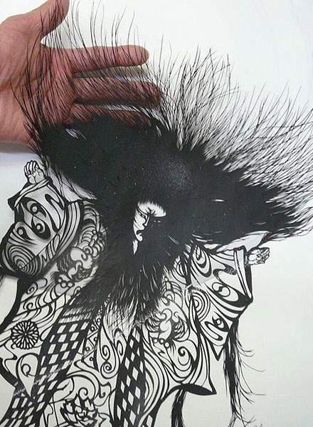 紙というよりは糸に近いレベルの切り絵アート - 03