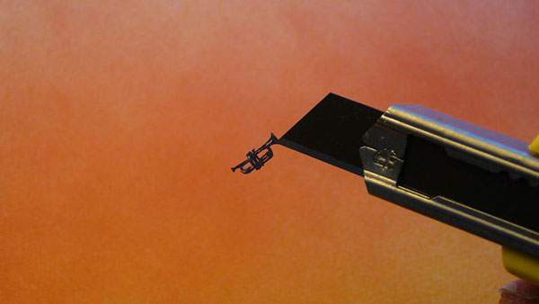 紙というよりは糸に近いレベルの切り絵アート - 09