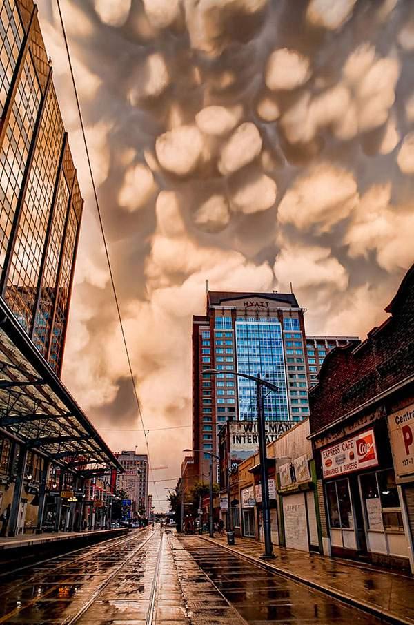 有り得ない形の雲の画像集 - 01