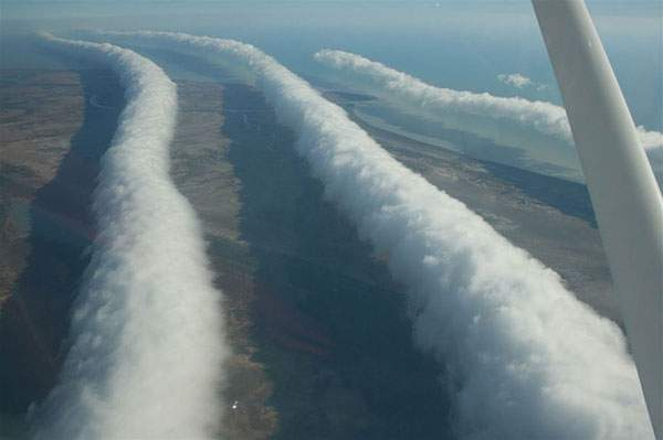 有り得ない形の雲の画像集 - 09