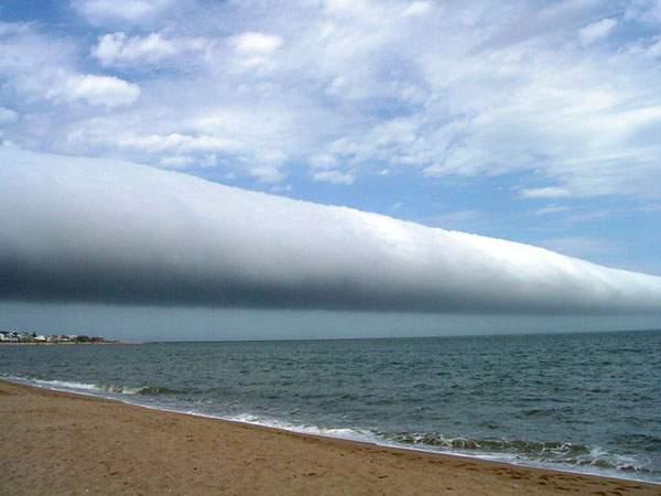有り得ない形の雲の画像集 - 10