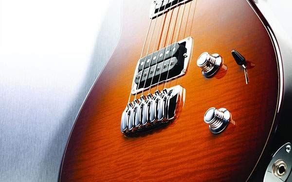 エレキギターをアップで撮影した渋い雰囲気の写真