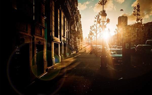 夕焼けが美しいベルギーの街並みを撮影した写真壁紙