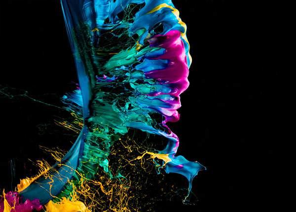 カラフルな塗料が飛び散る一瞬を収めた写真作品 - 02