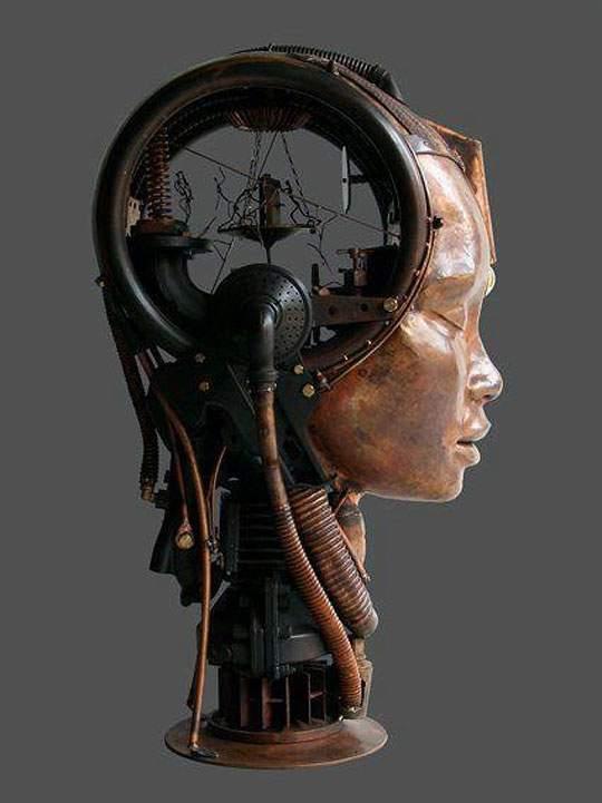 生物とメカを融合してデザインされた彫刻作品 - 01