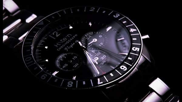ブラックの文字盤がかっこいい腕時計の写真壁紙