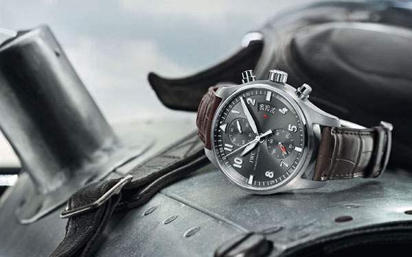 インターナショナル・ウォッチ・カンパニーの時計を撮影した渋い雰囲気の写真