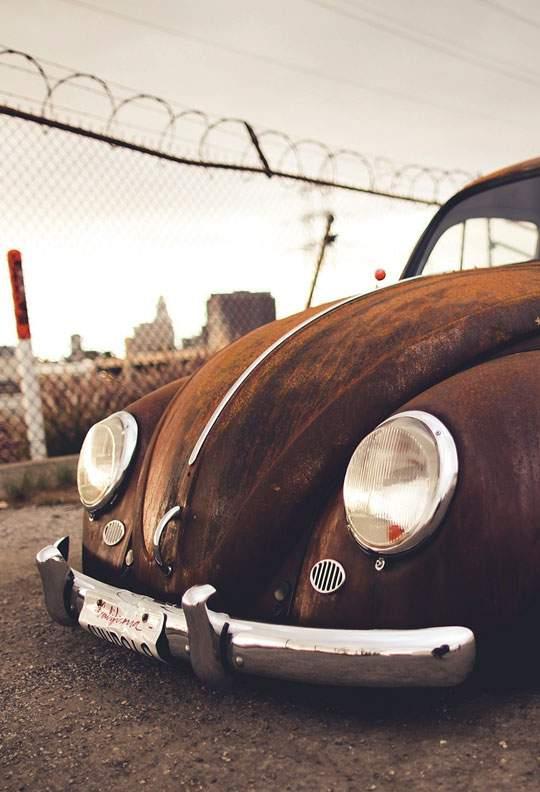 錆び付いた車を撮影したレトロな写真壁紙