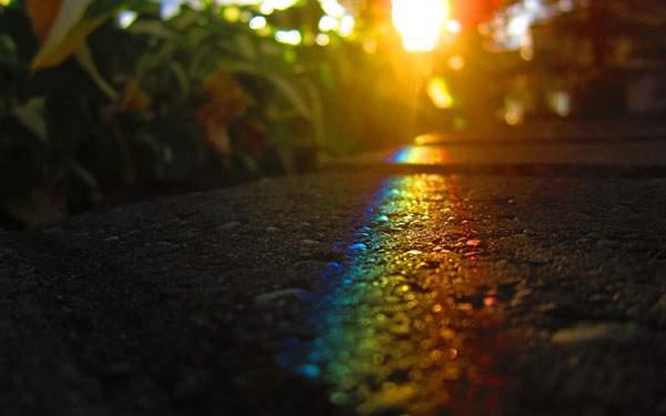 道に出来た虹を撮影した綺麗な写真壁紙画像