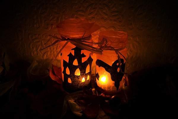 ゴーストとお化け屋敷のハロウィンキャンドルのフリー写真素材