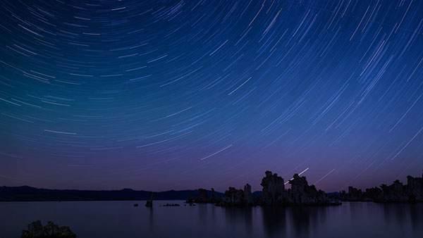 星の動きを長時間露光で撮影した美し過ぎる写真壁紙画像