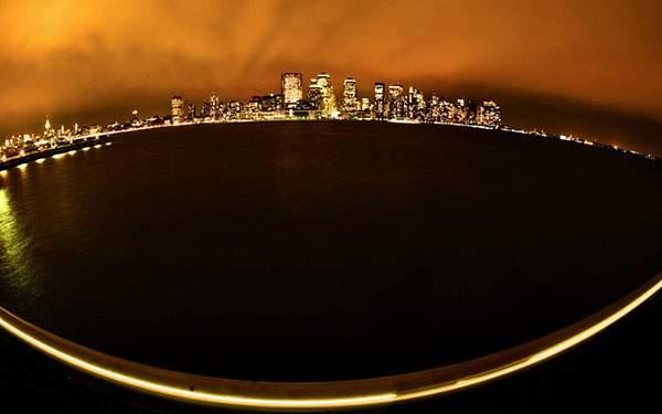 マンハッタンの夜景を遠くから撮影した綺麗な写真壁紙画像