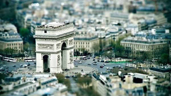 パリのエトワール凱旋門をチルトシフト撮影したおしゃれな写真壁紙画像