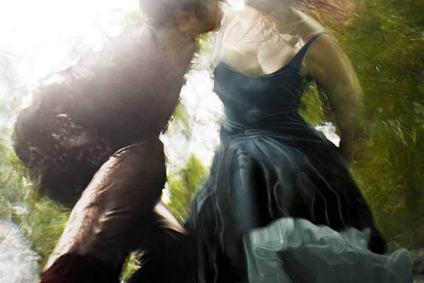 「水」の美しさに魅了された写真家が映し出す、幻想的な水中ポートレート作品 - 02