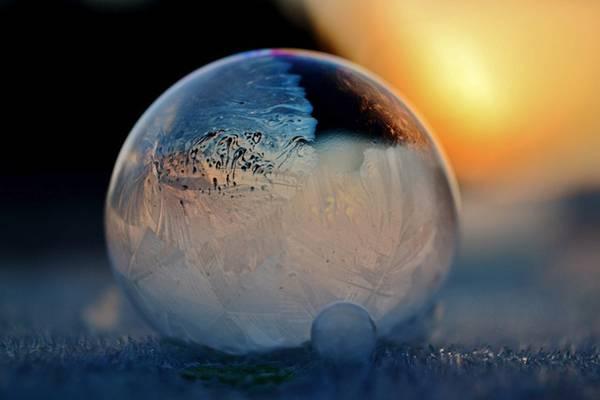凍ったシャボン玉を撮影した美しい写真作品 - 03