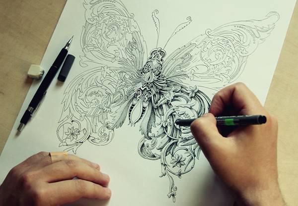 ペンで手描きされた機械のように超精密な作品 - 01