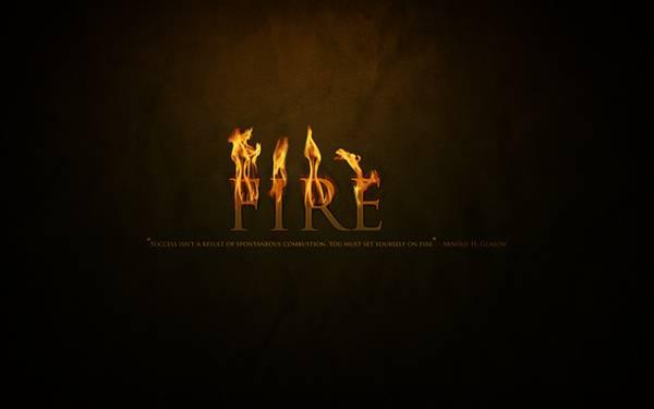 08.炎を上げる「FIRE」の文字のタイポグラフィ壁紙