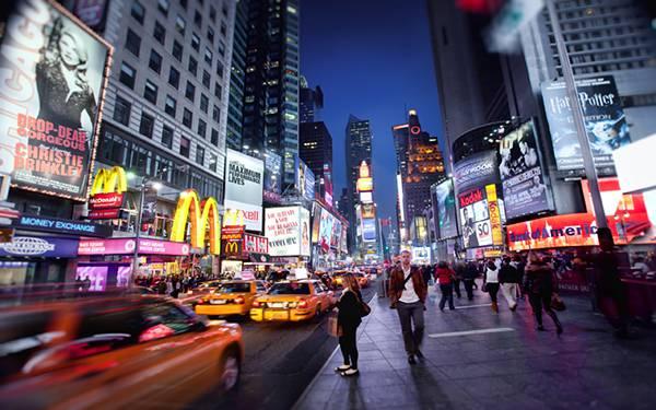 ニューヨークの夜の繁華街を撮影したかっこいい写真壁紙画像