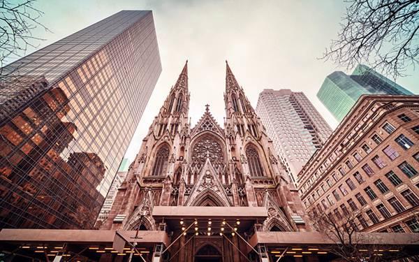 ニューヨークのセント・パトリック大聖堂を撮影した美しい写真壁紙画像